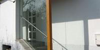 Windschutz-stiegenaufgang-mit-Verbundsicherheitsglas